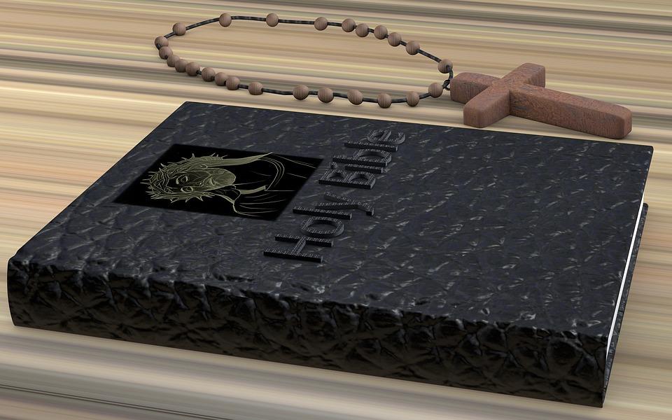 biblia kupiona w sklepie z dewocjonaliami