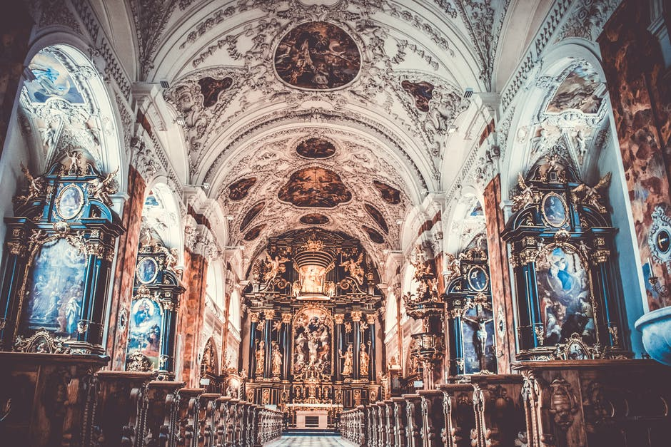 obrazy w Kościele